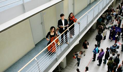 """myoon: """"Arbeitsamtskonzert"""" in der Agentur für Arbeit Leipzig"""